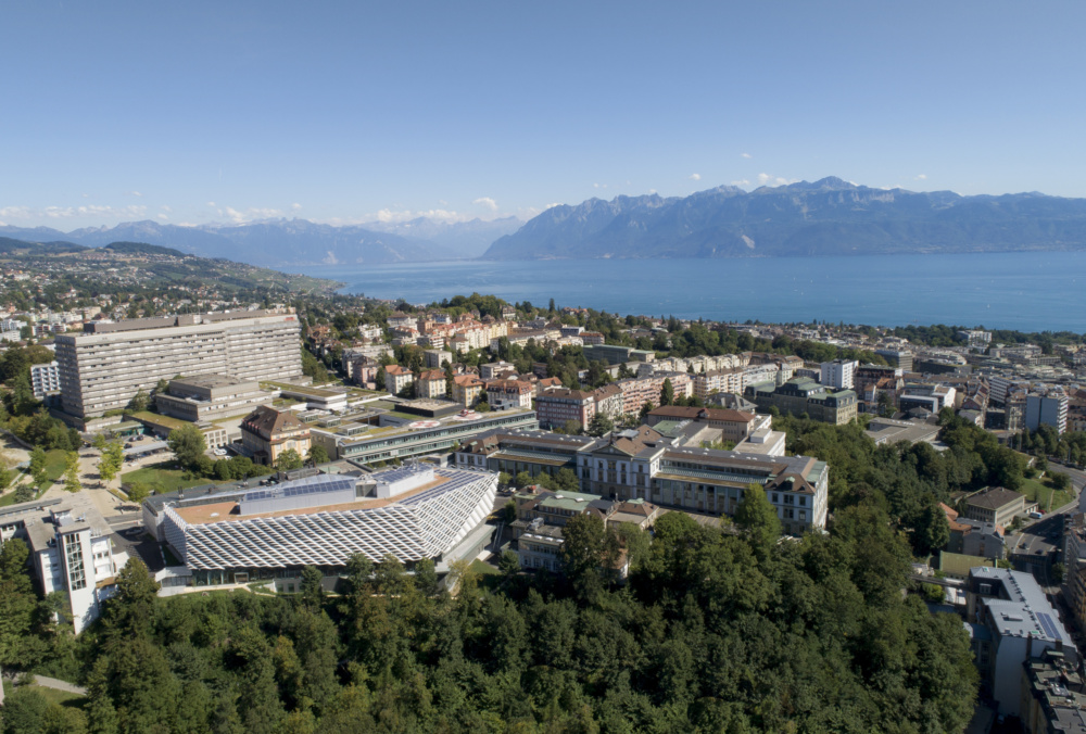 This Swiss cancer institute keeps out the sun with a continuous