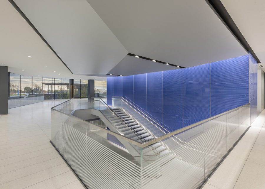 19_Zurich-North-America-Headquarters_Stair-to-Cafeteria