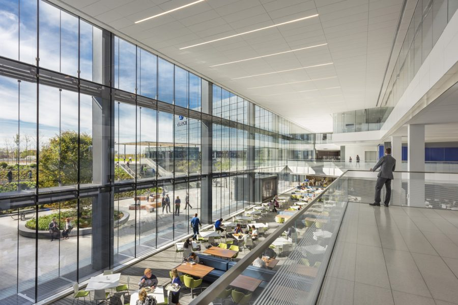 6_Zurich-North-America-Headquarters_Overlooking-Cafeteria