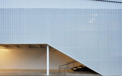 Sculpture studio at University of Arkansas celebrates the pre-engineered metal building
