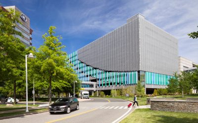 Airport parking garage animated by resilient, kinetic facade