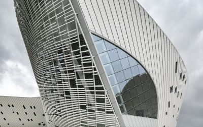 Thousands of terra-cotta louvers shade the Fuzhou Strait Culture and Art Centre