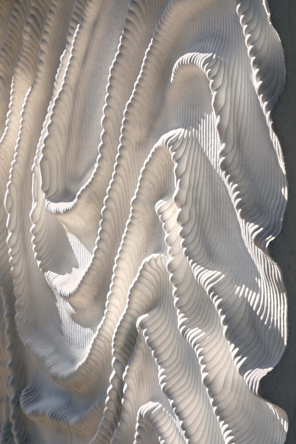 3432-2199-L-UV-DS-15-sculptural-relief-Iris-van-Herpen