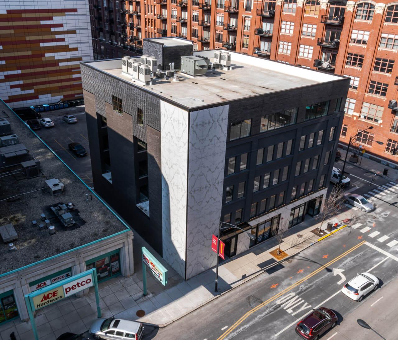 Dekton-Aura-Facade-Chicago1-1280x1095
