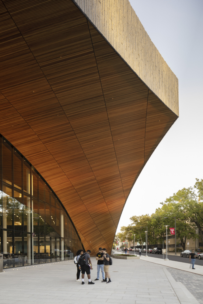 Snohetta_CharlesLIbrary_©MichaelGrimm_201308_NY_N136_publication-scaled-e1588785074569