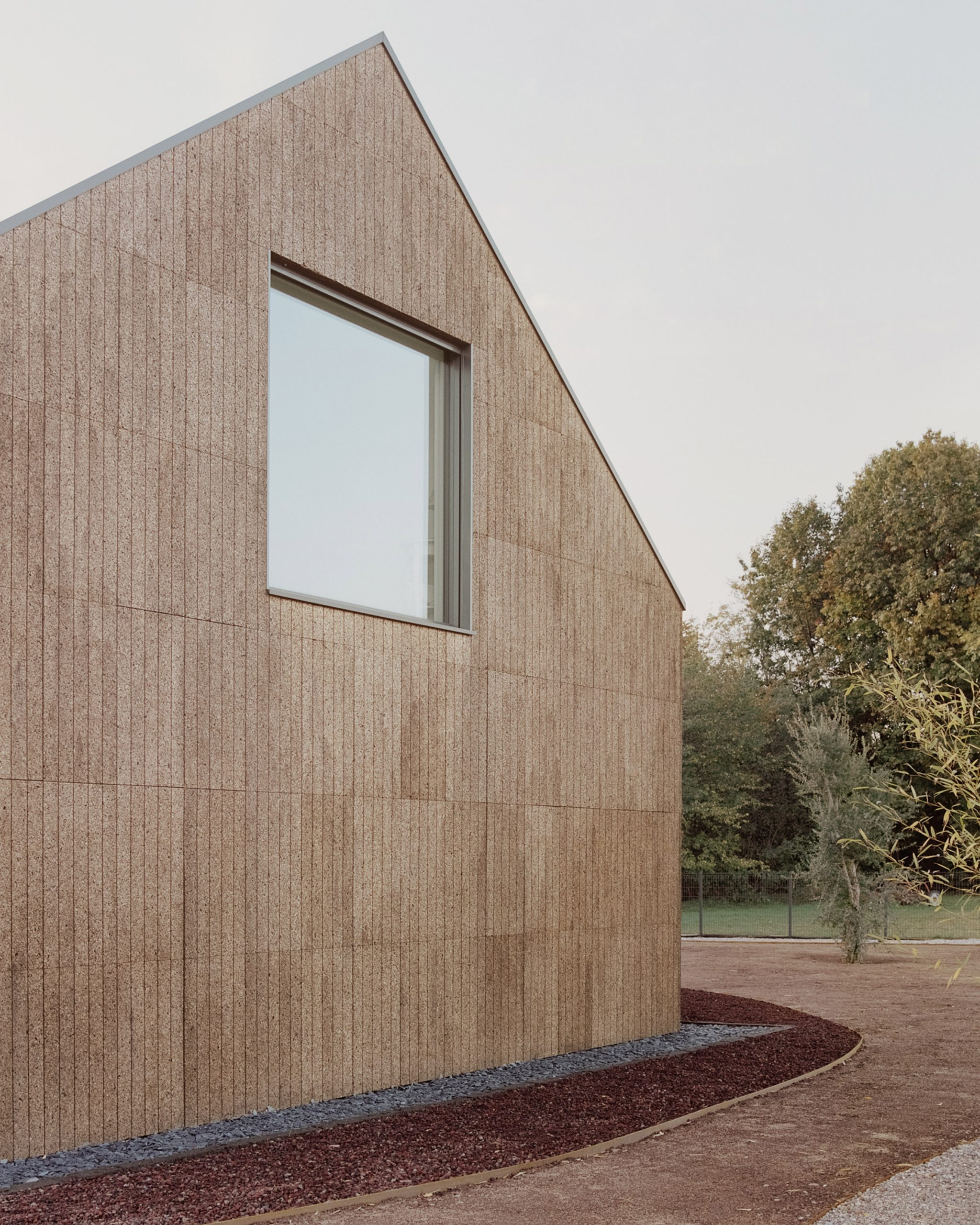 the-house-of-wood-straw-and-cork-lca-architetti-residential-houses-italy_dezeen_2364_col_8-scaled